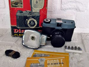 Diana F Flash Kompaktkamera