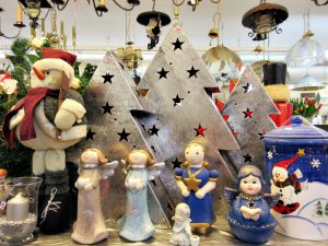 Weihnachtsmarkt 2015 bunte Engelchen