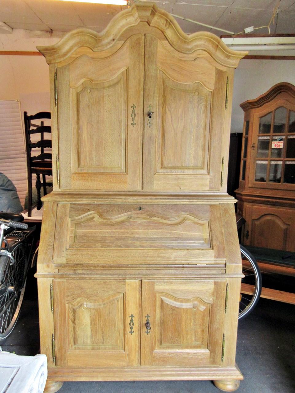 tolle massive naturholzm bel aus raeren belgien tr del. Black Bedroom Furniture Sets. Home Design Ideas