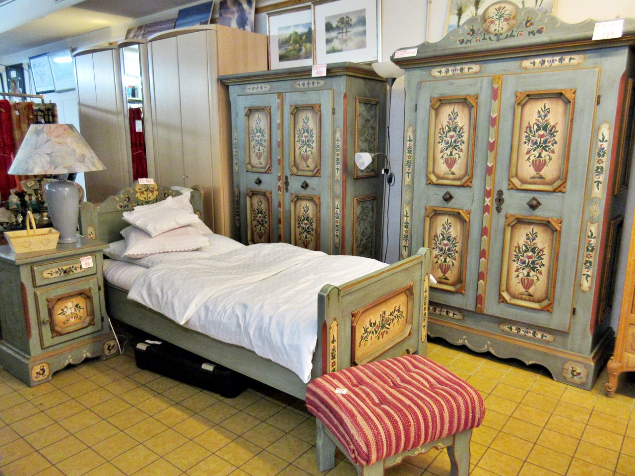 Voglauer Landhausmöbel schlafen wie Anno 1700 | Trödel Oase ...