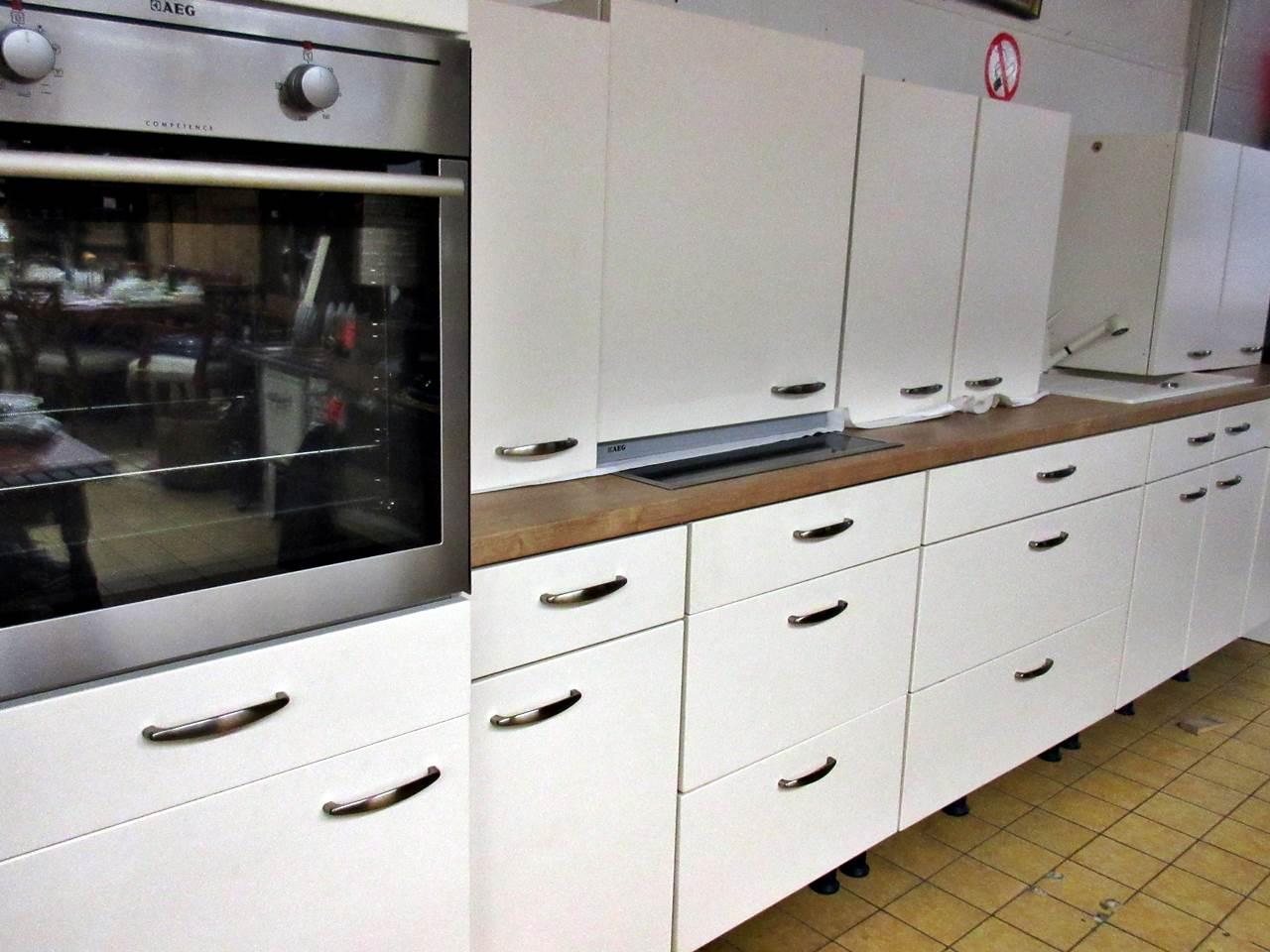 Top Einbaukuche Nobilia Mit E Geraten Trodel Oase Secondhand