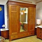 Schlafzimmer antik Gründerzeit Kleiderschrank