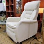 Fernsehsessel mit Aufstehhilfe und Massagefunktion