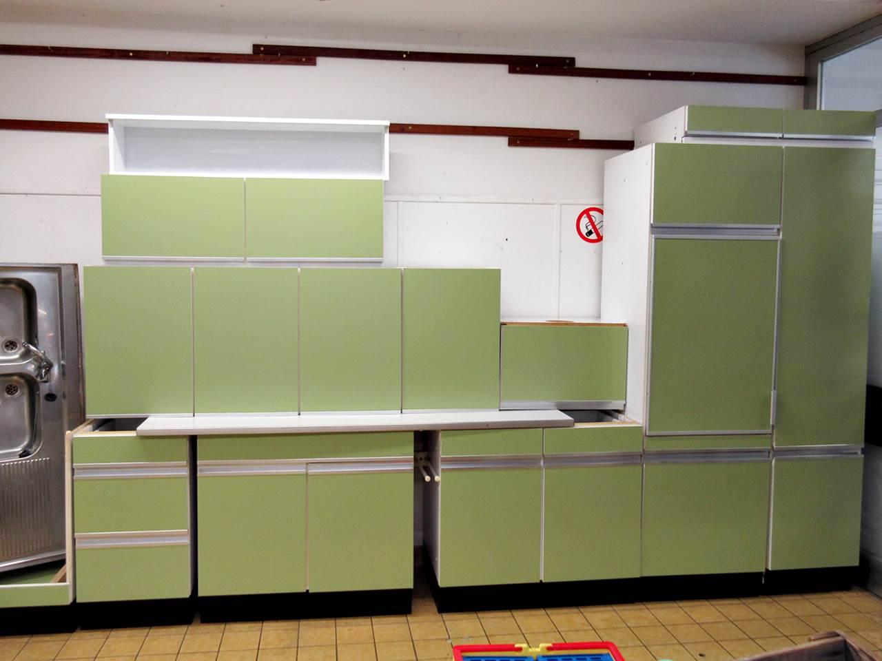 Retro Küche, Sofa, Kommoden, Stühle, Schränke | Trödel Oase ...