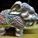 Elefant Holz verziert bemalt