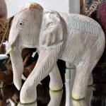 Elefant Stein hell