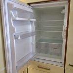 Einbauküche creme 310 Kühlschrank