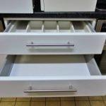 Einbauküche weiss 345 Schubladenschrank