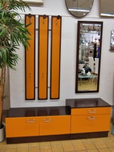 Garderobe Retro orange braun