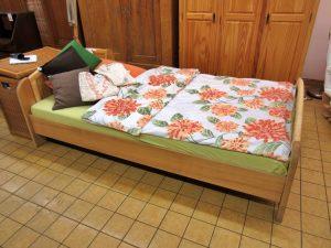 Einzelbett Korb / Holz