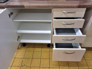 Einbauküche Alno Struktur hell