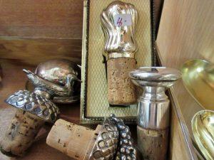 Flaschenverschlüsse Silber