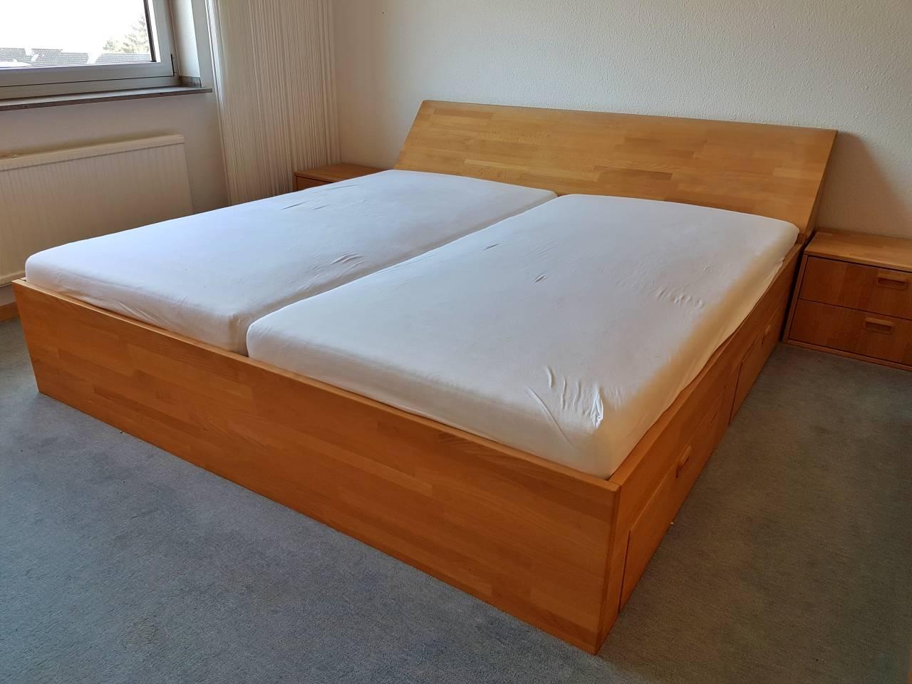 Doppelbett Massivholz hell