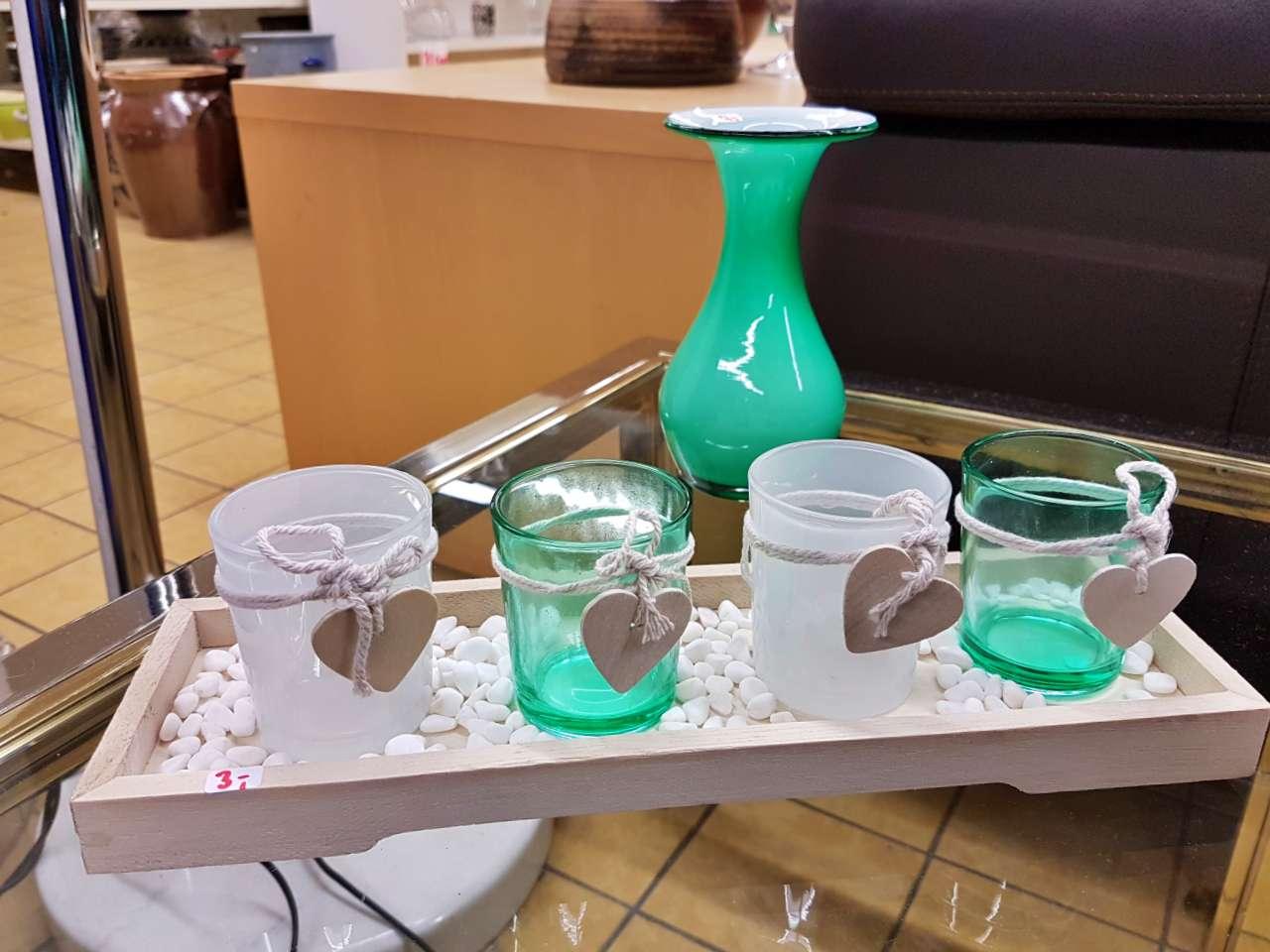 Dekoration schöner Wohnen Teelichter mit Vase