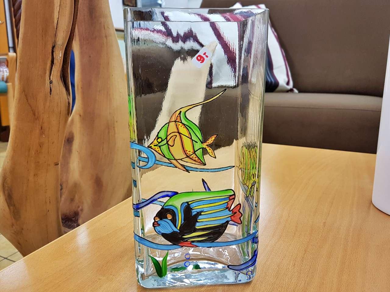 Dekoration schöner Wohnen bunte Vase aus Glas