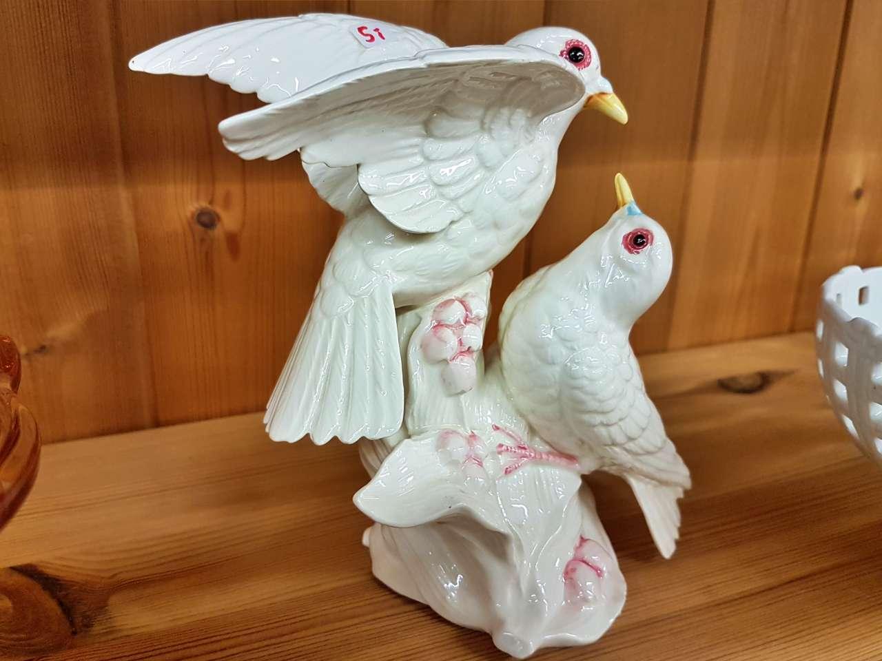 Dekoration schöner Wohnen weiße Tauben aus Porzellan