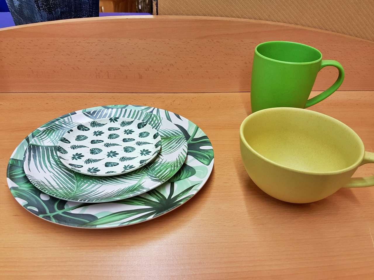 Dekoration Porzellan Teller Tassen