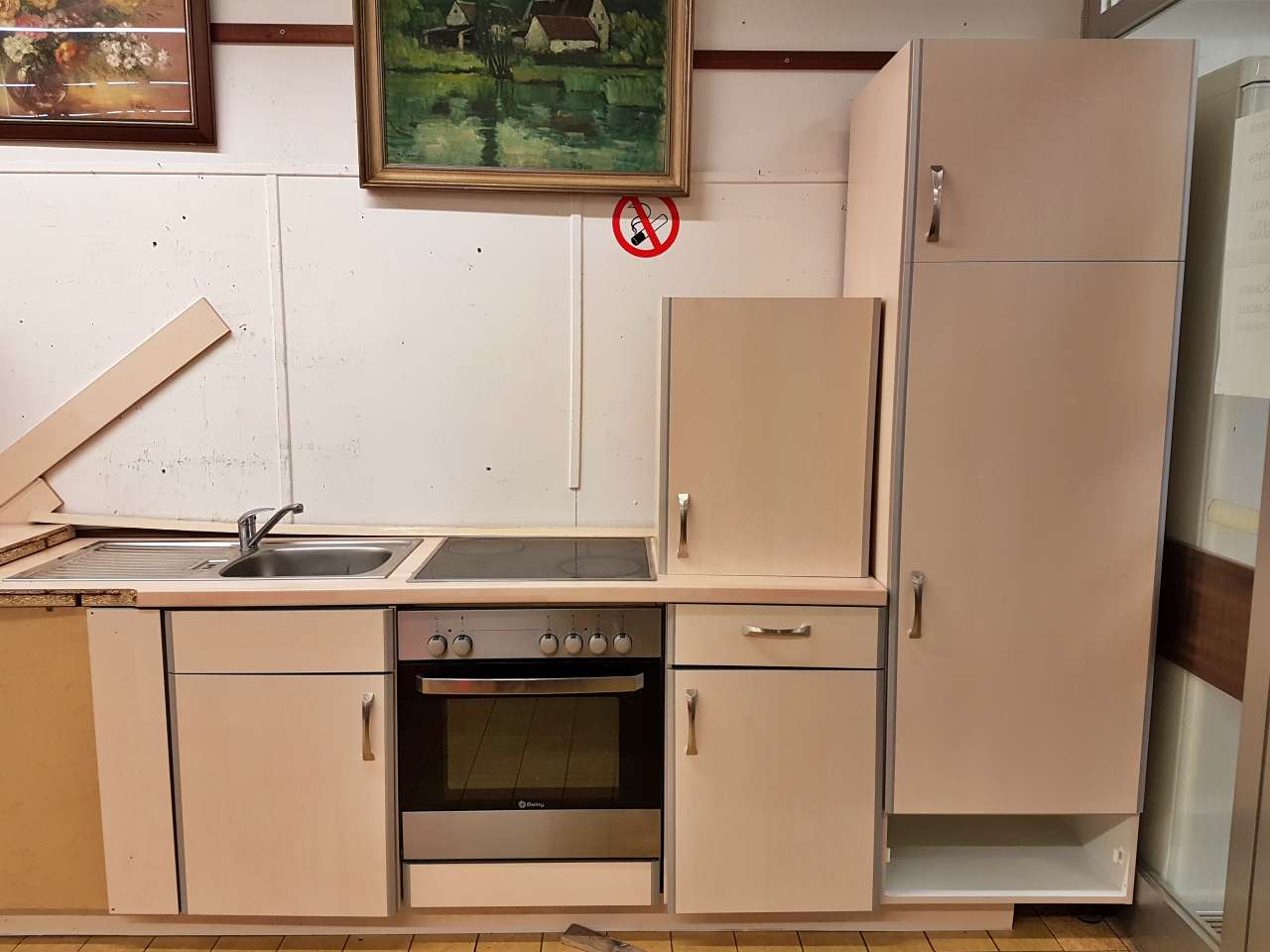 Möbel Einbauküche Holzdekor hell