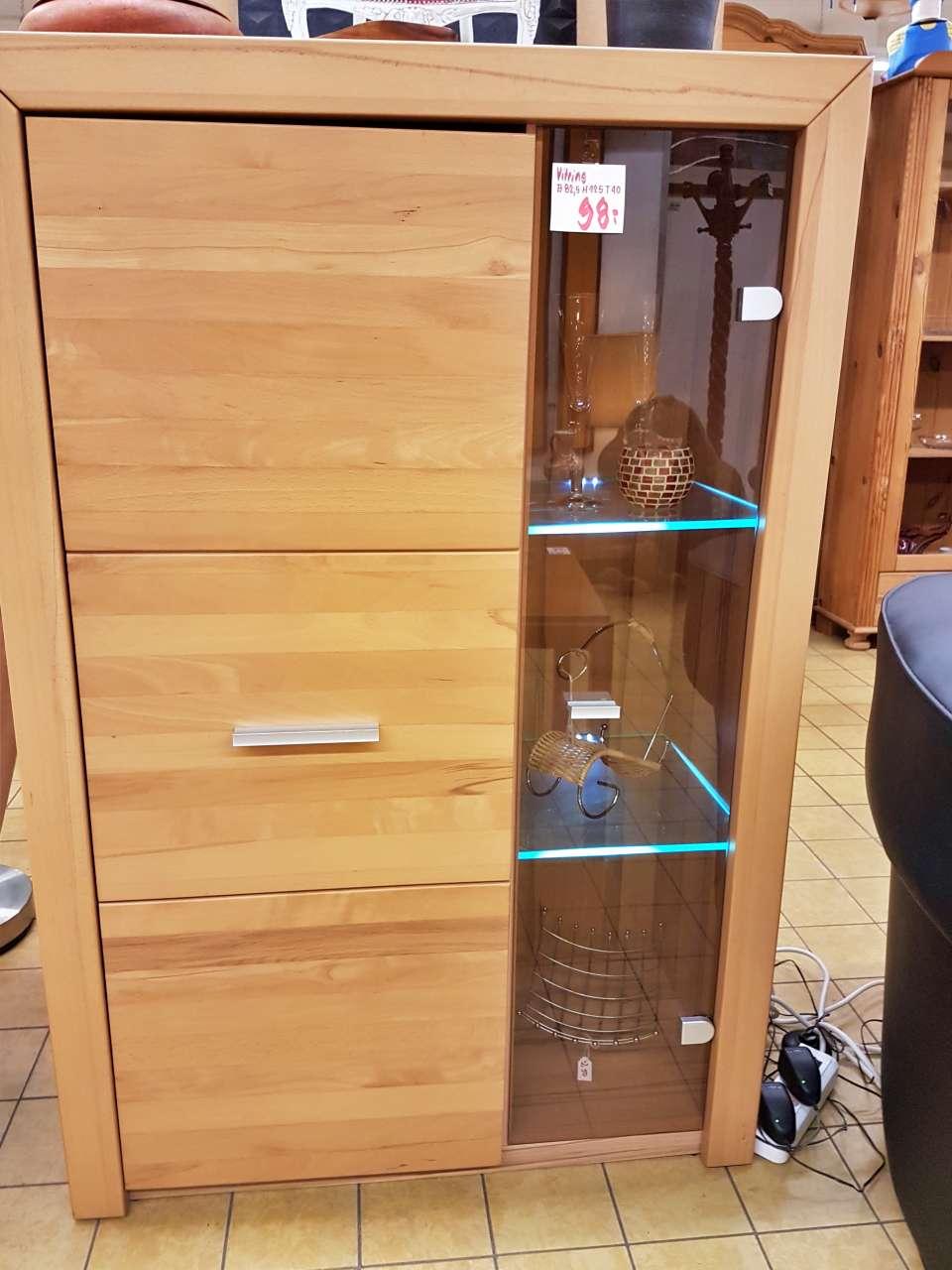 Kommode Holz modern mit Vitrine beleuchtet