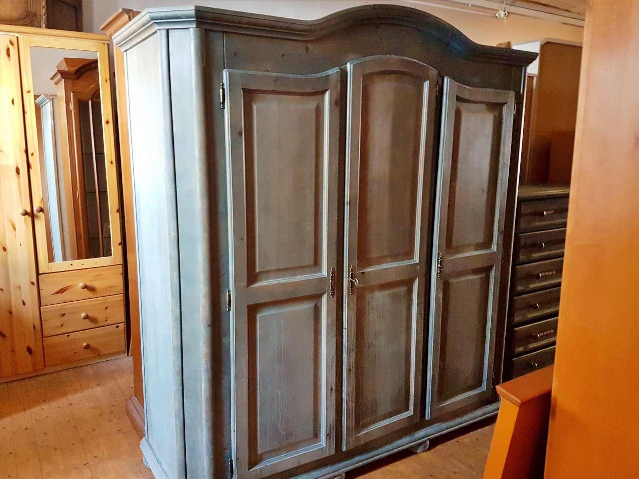 Bauernschrank Kleiderschrank Holz blau