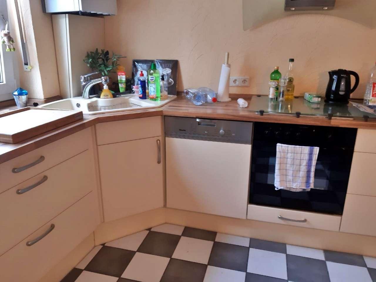 Einbauküche mit Elektrogeräten Einbauküche mit Elektrogeräten weiss