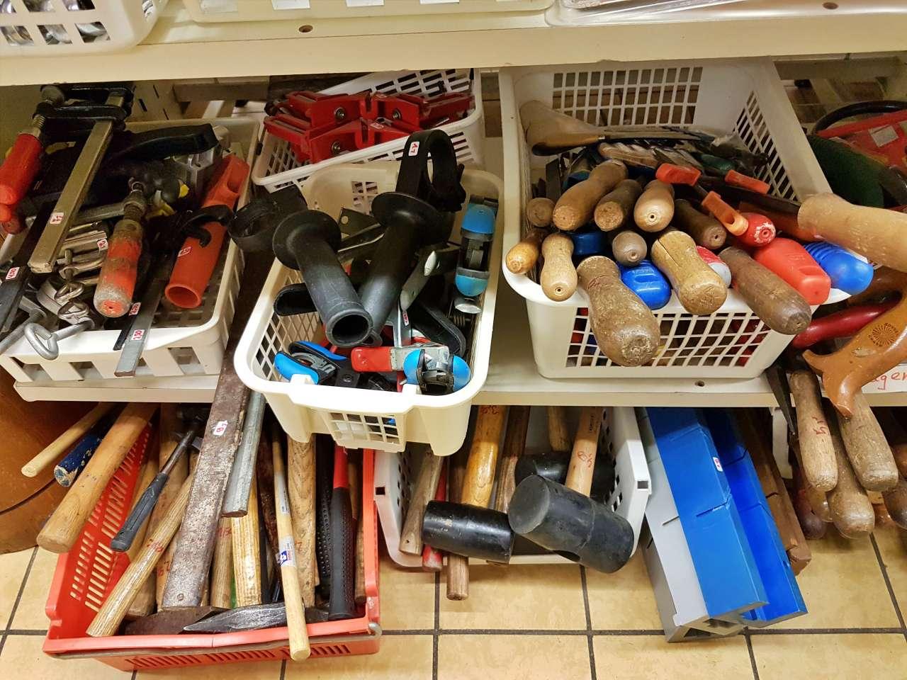 Werkzeuge Hammer Feilen Zwingen große Auswahl