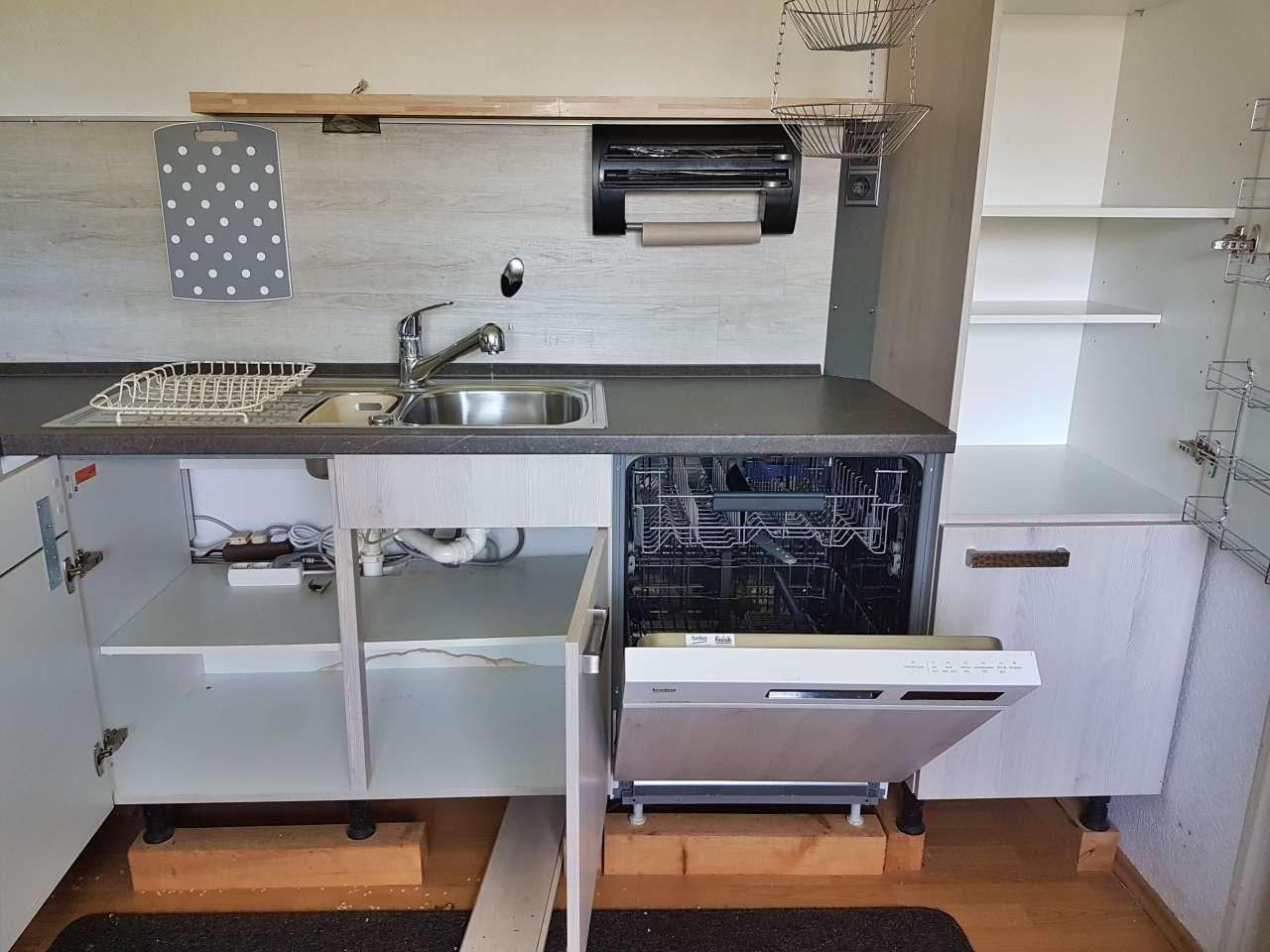 Einbauküche Küche L-Form mit E-Geräten offen