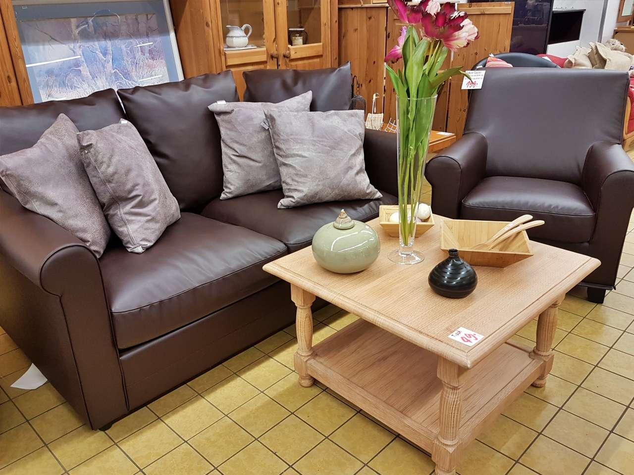 Möbel und Einrichtung Sofa Couch braun