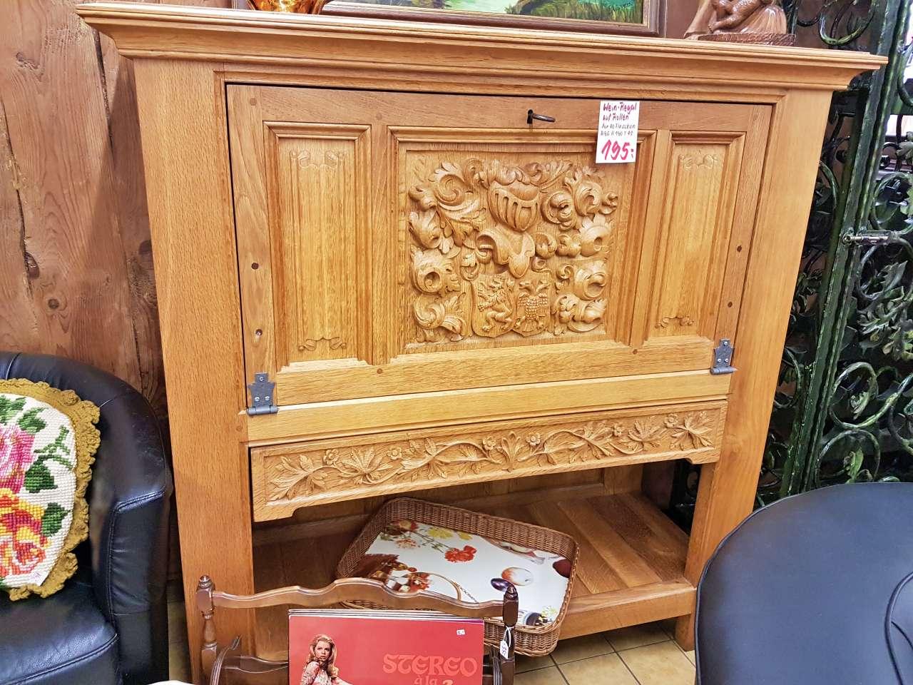 Möbel und Einrichtung Barschrank Kommode belgische Eiche