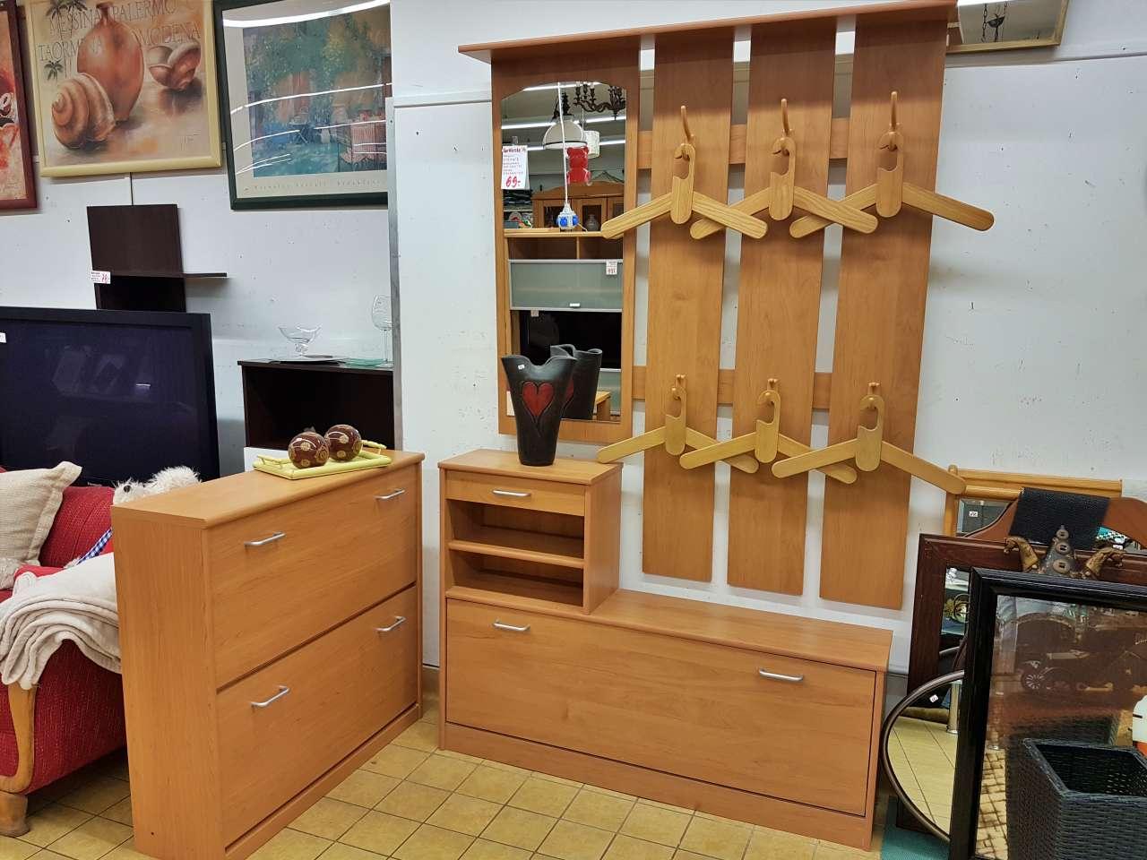 Möbel und Einrichtung Garderobe Dielenmöbel Buche